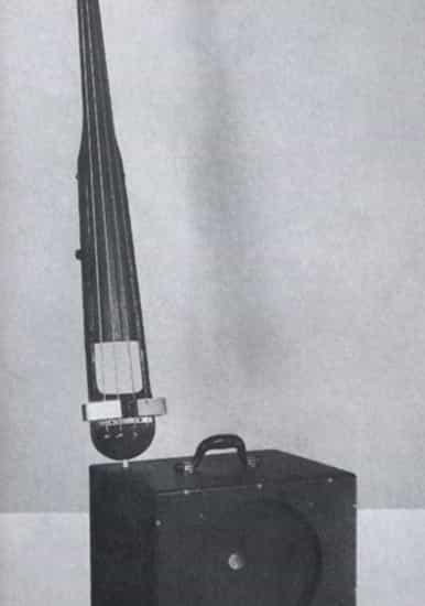 Primer contrabajo eléctrico de Rickenbacker
